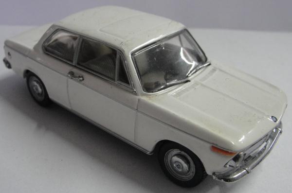 AM000, Miniatura de carro, marca Minichamps, modelo BMW 1600, escala 1:43.