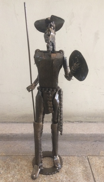 "AM096, CARLOS SANTER, escultura em metal patinado, ""Dom Quixote"", medindo 61 cm de altura."