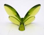 BACCARAT-   Borboleta moldado em cristal de baccarat. Selo com a marca do fabricantes. Medidas 6,5 x 8,5 cm.