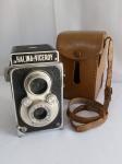 Máquina Fotográfica REFLEX Halina-Viceroy, aprox. 13 x 9 x 8,5cm, segue em estojo de couro, que está com a alça quebrada, apresenta desgastes, não testada, segue no estado, conforme apresentado nas fotos