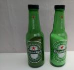 Saleiro e Pimenteiro HEINEKEN, garrafa vidro, com condimentos; aprox. 20,5 x 5cm