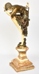CLAIRE JEANNE ROBERTE COLINET- Belíssima escultura artdecô c.1930, em bronze e marfim (Criselefantina), representando Dancer. Apoiada sobre belíssima base de ônix rajado.  Med.: 63 x 20 cm.