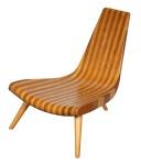 """JOAQUIN TENREIRO - """"Tripé"""", fabulosa cadeira, ícone do design de mobiliário brasileiro, confeccionada em 2 tipos de madeira, reproduzida livro livro do artista."""