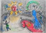 """Litografia original do artista Marc Chagall, retirada da revista Derriere le Miroir , editada em 1979 na França (não assinada pelo artista),  em folha dupla, medindo: 38 cm x 56 cm. Esta litografia pertenceu a Hansen Bahia que fez anotações. Com marcas do tempo e pequeno furo na gravura. 'Derriere le Miroir' acompanhou cada exposição na Galerie Maeght em Paris, França. A primeira edição apareceu em 1946, The last # 253 da coleção em 1982. DLM nasce da paixão de Aime e Marguerite Maeght. As primeiras edições foram planejadas por Aime Maeght para serem difundidas entre um grande público, com litografias originais. 10.000 cópias foram impressas e distribuídas através de quiosques. Isto falhou completamente e as restantes cópias foram vendidas em peso para financiar a impressão da quarta edição, que foi impressa em apenas 1500 cópias e foi o catálogo da exposição George Braque na Galerie. Jacques Kober e René Char escreveram os textos. Este conceito foi continuado em edições posteriores, combinando grandes escritores com grandes artistas. Em 1947, Adrien Maeght, juntou-se à empresa de seus pais e auxiliou seu pai no layout e na execução. Os artistas criaram litografias originais para ilustrar o DLM. O Mourlot fez a impressão litográfica e o texto foi impresso pela Union nos números 4-115. De 116 a 148, DLM foi filmado nos estúdios de Aime Maeght. Desde 1960, uma edição """"deluxe"""" foi publicada, em papel Arches, limitada a 150 cópias. Em 1964, Adrien Maeght criou a empresa de impressão ARTE, que projetou e imprimiu as edições 149-232. Todos incluíam litografias. Após a morte de Marguerite Maeght em 1977, os últimos números foram feitos na empresa de impressão Lion, com menos litografias. Alguns problemas foram reimpressos. Na edição 250, Aime Maeght queria prestar homenagem a todos aqueles que tinham seu nome associado ao DLM. Aime morreu em 1981 e o número 250 se tornou uma homenagem a Marguerite e Aime Maeght por trinta e cinco anos de amizade com os artistas e poetas."""
