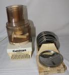Processador marca Cuisinart. Acompanham 11 lâminas.
