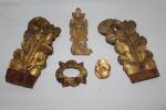 Cinco talhas entalhadas em madeira revestidas em ouro folha. Medida da maior: 29 X 16,5cm. ( Uma talha no estado).