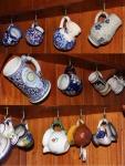 Coleção com 13 canecas de chopp em porcelana de diversas origens.