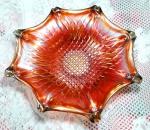 CARNIVAL GLASS - Grande fruteira centro de mesa em vidrão carnival glass cor de fogo medindo 10 cm de altura e 34 cm de diâmetro. EM PERFEITO ESTADO.