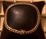 """Ouro 18k - Magnífica pulseira / bracelete, de ouro 18k, no estilo Art Déco, fecho dito """"cadeado"""", trava de segurança dupla. Med. 21cm aberta. PT. 15g."""