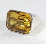 Elegante anel em prata de lei com grande Topázio ou Citrine. Aro 10 / 11