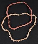 Dois colares em coral italiano Peau Dange e Vermelho rosado. Med. 45 e 42 cm.