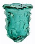 Murano com aspentes no dito cactus e em rico tom verde esmeralda. Peça em excelente estado. Medida 25 cm de altura.