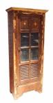Armárioalto   em madeira com policromia , 01 gaveta, prateleiras internas , portas com vidros e venezianas ( desgastes). Med. : 1,93 x 81 x 44 cm.