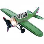 Avião feito de lata e metal medindo 12,5x16cm.
