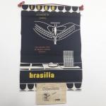 2a - Flamula Calendário da Inauguração de Brasilia, excelente estado de conservação, completa e impecável,  RARÍSSIMA.  Item de confeccionado em pano, com calendário em papel. Item Muito RARO.
