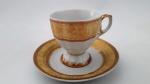 Seis magnífica xícara de café em porcelana Italy Style com bordas e alças na cor ouro.Peça ostentando rica decoração, lote  de grande beleza e em ótimo estado.