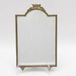 Antigo espelho de mesa em Bronze Ormolu. Medindo 43 x 26,5 cm.