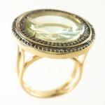 Anel em Ouro 18 K, aro 17 com 0,74 quilates de Brilhantes Black e Prasiolita, peso total 10,2 gramas.