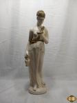 Enorme escultura de Deusa Hera em gesso. Medindo 77cm de altura.