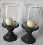Par de enfeite com base em metal com vidro -   Altura: 29 cm ( Total)  Altura: 13 cm ( base)