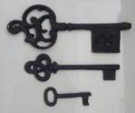 Tres chaves em ferro - Medidas: 31 cm, 24 cm e 12 cm