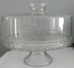 Prato e bolo com pê e tampa em vidro - Diâmetro: 28 cm e Altura: 34 cm