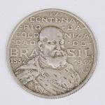 Lote composto por moeda de 2000 Réis, comemorativa do IV Centenário da Colonização do Brasil 1532-1932.