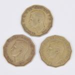 Lote composto por 3 moedas do Reino Unido de 3 Pence cunhadas respectivamente em 1941, 1943 e 1952.