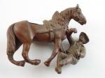 COWBOY E CAVALO EM METAL . Altura do cavalo 7cm, comprimento 9 cm. Altura do Cawboy  7cm (no estado).