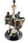 Escultura em faiança Austríaca GOLDSCHEIDER. Assinada Paul Howarth, ano 1925. Altura 55 cm. Peça inspirada em bailarina Niddy Impekoven, também conhecida como Senhora Borboleta .Peça reproduzida no livro de Robert E Dechant I Filipp Goldscheider, página 92.