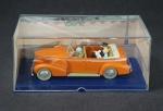 """Modelo de metal em escala 1/43 - Automóvel antigo com os personagens Tin-Tin e Milou, """"Au Tibet"""" ricamente detalhado e refinado. Ítem de coleção. Na caixa original em excelente estado de conservação."""