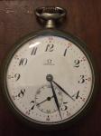 Omega, Relógio de Bolso em Prata medindo 6 x 5 cm, funcionando mas precisa de revisão.