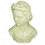 Grande busto em porcelana de figura romana. Medida 19x25cm.