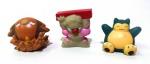 POKEMON - BANDAI - Lote contendo 3 figuras em vinil da série Pokemon da marca Bandai. Medindo aprox. 4cm de altura cada.