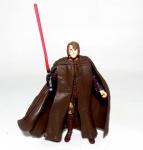 STAR WARS - HASBRO - Figura articulada em vinil do personagem Anakin do filme Star Wars - Episódio III ricamente detalhada, peça original Hasbro. Medindo 10cm de altura.