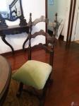 Jogo de 4 cadeiras em madeira nobre com assento acolchoado. Retirada no Recreio dos Bandeirantes, por conta e risco do comprador.