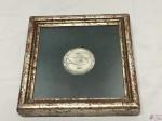 - Quadro emoldurado  Medalha Homenagem Do Estado Da Guanabara 1971. Medida 6 cm de diametro