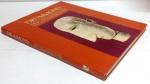Livro : Drumond Arte Em Exposição Art in Exhibition - Carlos Drumond de Andrade . 120 págs - No estado