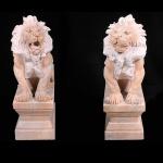 """Par de esculturas em mármore rosso representando """"Leões"""" Med: 105 x 55 x 33cm"""