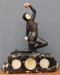 GORY - atribuído - Escultura Art Deco em bronze e marfim com base em mármore e ônix, representando malabarista, altura total 60 cm. Nao esta assinada. Esta escultura foi fotografada e poderá fazer parte do próximo Livro Statuettes of the Art Deco Period autor Alberto Shayo.