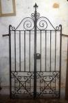 Portão duplo de ferro   decorado. (desgastes) 1,90 x1,05 cm
