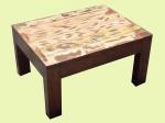 Design contemporâneo: mesa baixa auxiliar em madeira e tampo patinado. Med.: 42 x80 x60 cm