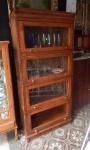 Móvel padaria em madeira com detalhes em marchetaria. ( falta um vidro)med: 1,80 cm alt x 80 cm larg x 42 cm prof.