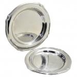 2 (Duas) Travessas Inox Tramontina. Formato Circular - Borda Filetada. Medida: Maior = 35 cm. / Medida Menor = 29 cm.