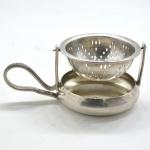 Suporte para Chá Espessurado A Prata com Pega Lateral. Medida: 4,5 X 10 X 6 Cm.