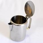 Bule para Café em Inox. Medidas: 13,5 X 9 cm. (Diâmetro)