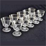10 (dez)  Taças para Licor em Fino Vidro Translúcido. Medida: altura 7 x 6 cm diâmetro