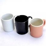 3 (Três) Canecas para Chocolate em Porcelana nas Cores Preto, Branco e Rosa. Medida: 9 X 8 cm. (Diâmetro)