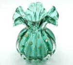 Murano - Vaso em Vidro Artístico (Trouxa) De Murano Italiano na Cor Verde com Gotas de Pó de Ouro por Todo o Corpo. Medida: 15 X 13 cm. (Diâmetro)