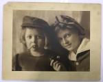 Foto Antiga inusitada duas crianças com cigarro e cachimbo em maos - não identificada - 30x23